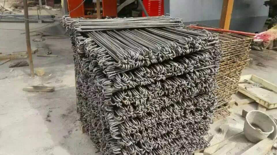 CNCワイヤー曲げ機