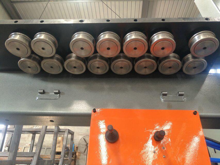 CNCの棒鋼の曲がる機械